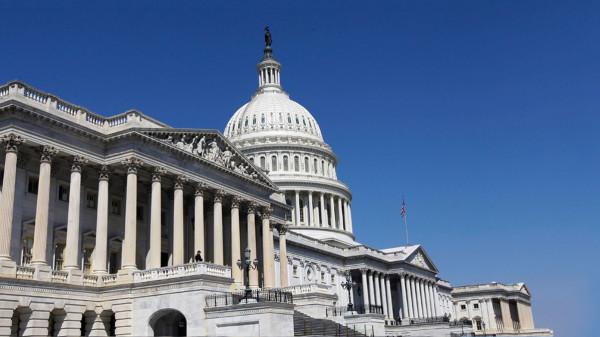 أعضاء في الكونغرس الأمريكي يناشدون السعودية خفض إنتاج النفط