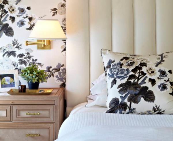 حيل مختلفة لتحسين إضاءة غرفة النوم صغيرة المساحة
