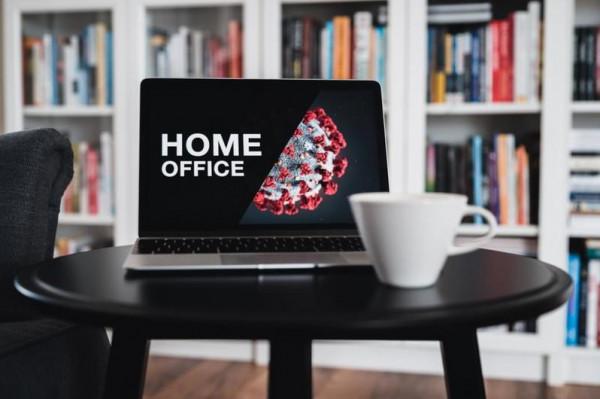 أفكار لتصميم مكتب منزلي مؤقت