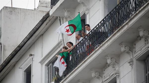 الجزائر تقر زيادات بمعاشات التقاعد تصل إلى 7%