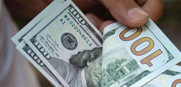 الدولار يرتفع ومخاوف من موجة ثانية لكورونا تقود للبحث عن ملاذ آمن