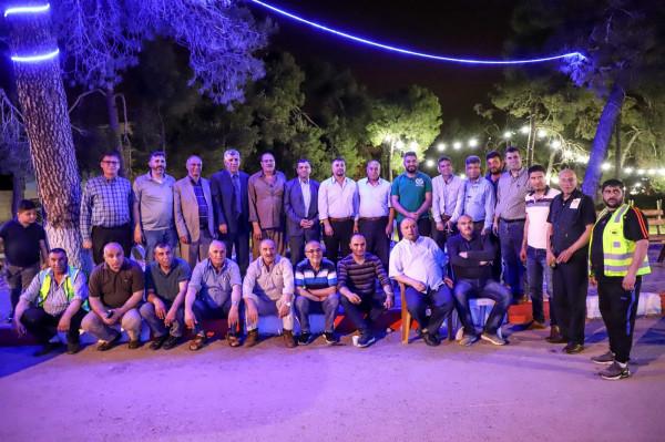 إبراهيم راشد يتفقد تكية نوح ويلتقي رئيس بلدية دورا