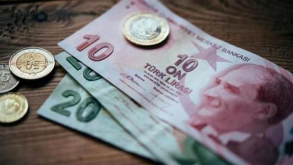 """وكالة """"فيتش"""": الضغط على الليرة التركية قد يتسبب في رفع سعر الفائدة"""