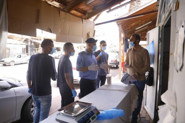 بلدية قلقيلية تنظم جولة تفقدية لأسواق المدينة