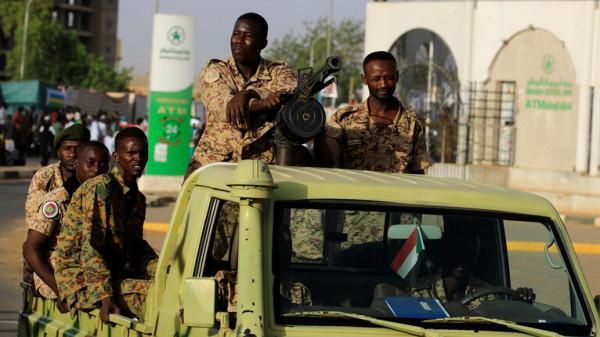 """الجيش السوداني يكشف عن مكان دفن """"شهداء حركة رمضان 1990"""""""