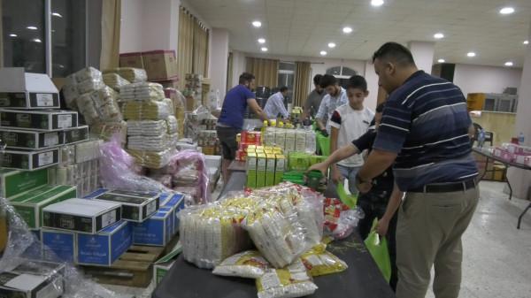صناع الامل تقدم طرود خاصة بمناسبة العيد وتتضمن حلويات ومواد كعك العيد الخاصة