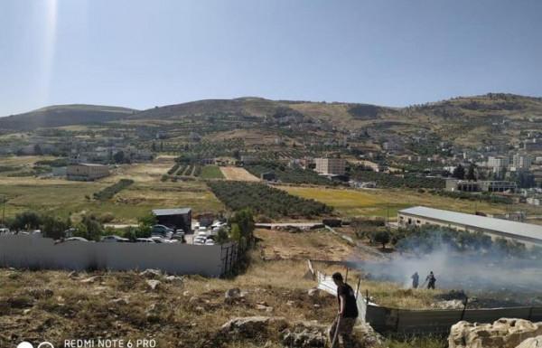 الدفاع المدني: في نابلس حماية منازل وممتلكات وإخماد حرائق الاعشاب