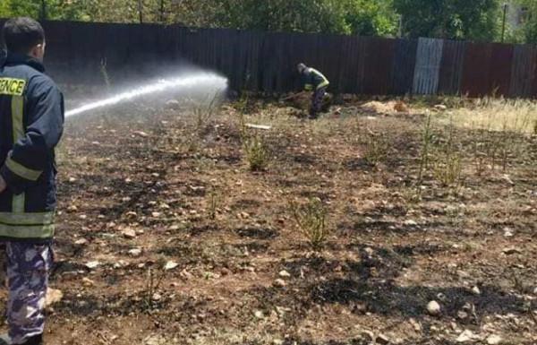 التعامل مع أربعة حرائق اعشاب وأشجار بمحافظة قلقيلية