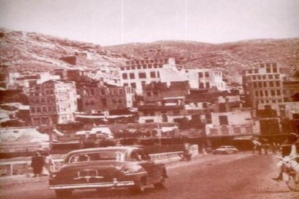 شاهد: حي الحجون بمكة الذي ضم قبر السيدة خديجة والقاسم وأعمام الرسول