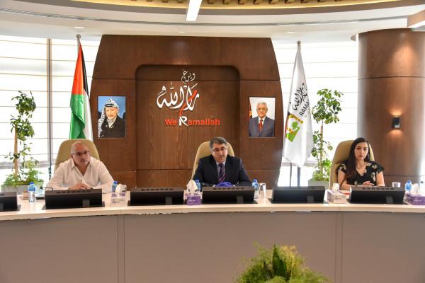 رئيس بلدية رام الله موسى حديد يرحب بممثل الاتحاد الأوروبي بورجسدرف