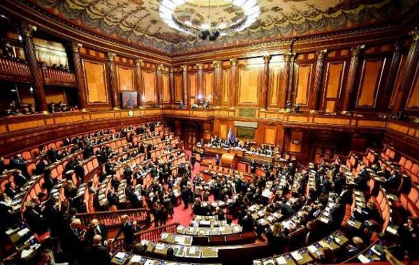 70 عضواً بالبرلمان الإيطالي يطالبون حكومتهم بإدانة إسرائيل