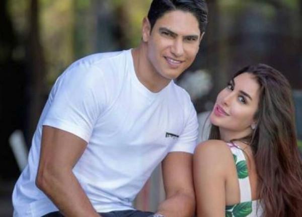 ياسمين صبري تثير الجدل بصورة من داخل طائرة زوجها الخاصة