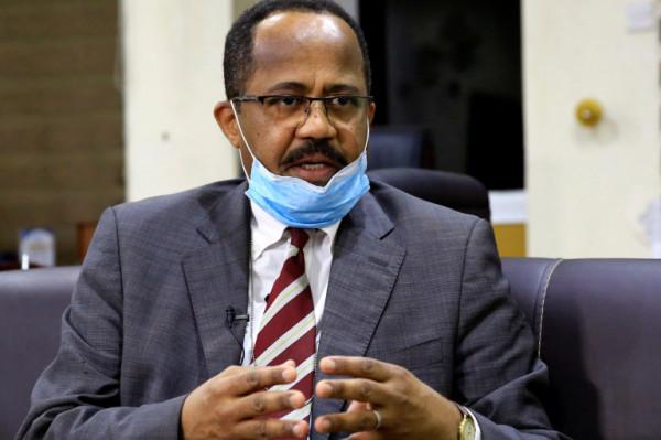 وزير الصحة السوداني: فيروس (كورونا) يركض أمامنا