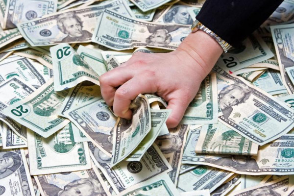 شاهد: بفضل (كورونا).. ثمانية أثرياء أمريكيين ازدادت ثرواتهم 238 مليار دولار