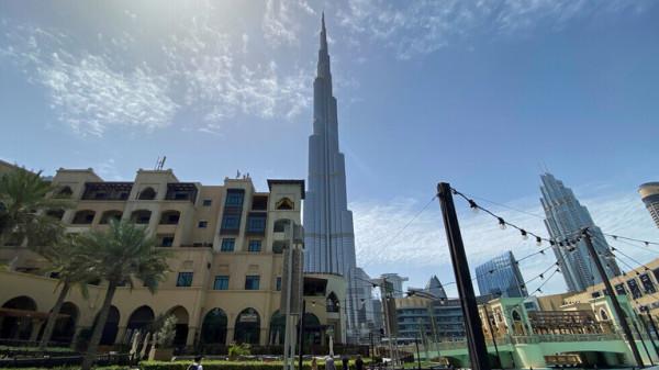 الإمارات تحدد شروط عودة حاملي الإقامات السارية