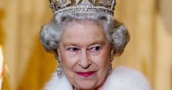 مصدر ملكي يكشف مفاجأة حول عناية الملكة إليزابيث بشعرها خلال العزل المنزلي