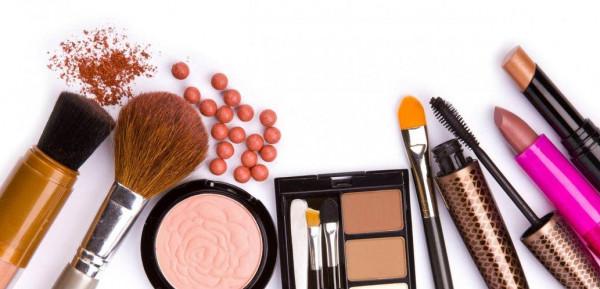 ست نصائح لتنظيف أدوات التجميل لوقف انتقال البكتيريا