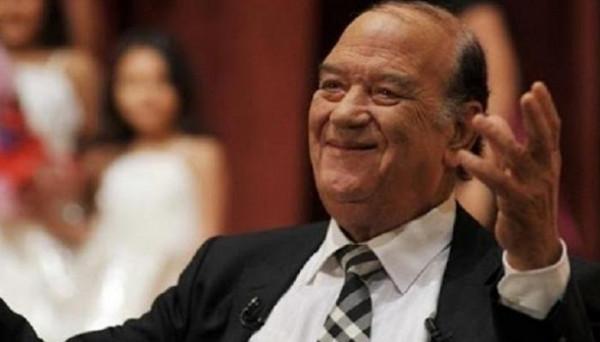 """شاهد: السرطان أنهى حياة ابنته وبكى بسبب """"الإهمال"""".. وفاة الفنان الكبير حسن حسني"""