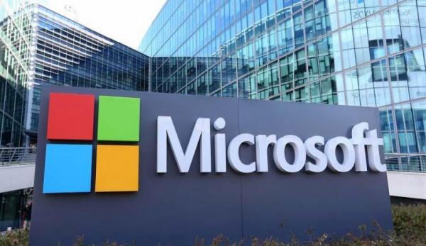 """""""مايكروسوفت"""" تستبدل أكثر من 27 صحفياً بالروبوتات"""