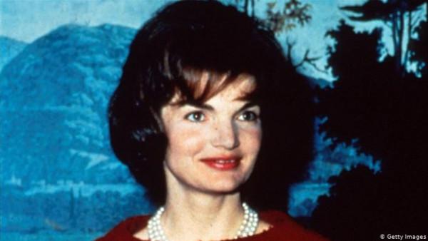 روشتة قديمة تكشف سر جمال زوجة الرئيس الأمريكي جون كينيدي