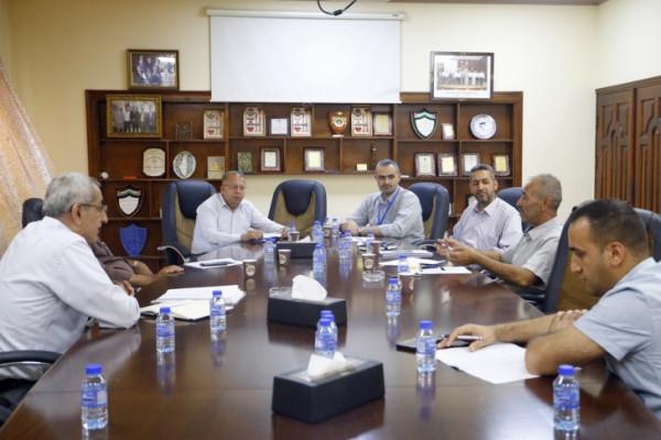 لجنة ادارة النفايات الطبية تجتمع في محافظة قلقيلية