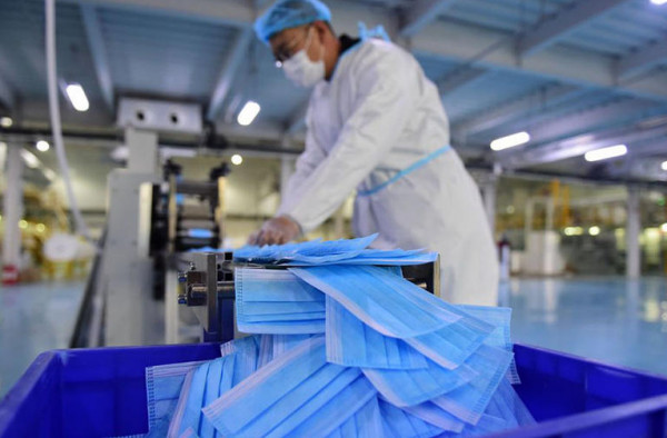 مصر تُصنع كمامات قابلة للغسيل والاستخدام لمدة شهر