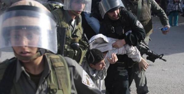 قوات الاحتلال تعتقل ثلاثة مواطنين من رام الله