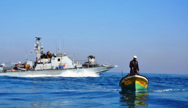 قوات الاحتلال تستهدف الصيادين وتتوغل شرقي غزة