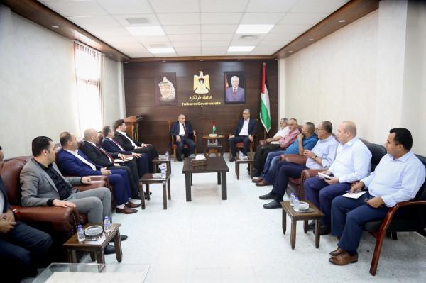محافظ طولكرم يجتمع مع وزير الاتصالات وتكنولوجيا المعلومات ويناقشان عدداً من القضايا
