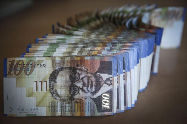 قدري أبو بكر: إسرائيل سلمت أموال المقاصة كاملة للسلطة عن شهري مارس وأبريل