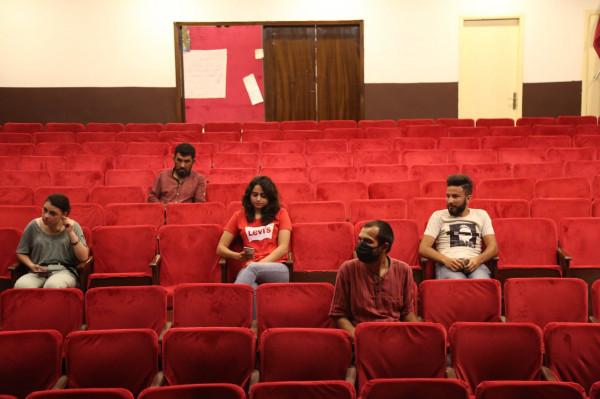 مسرح إسطنبولي يناقش تداعيات أزمة (كورونا) على الثقافة رقمياً