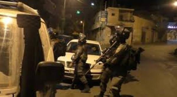 الاحتلال يواصل اقتحاماته واعتقالاته بالضفة والقدس