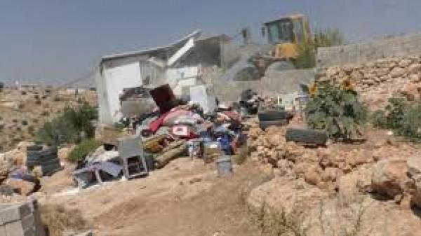 الاحتلال يهدم منزلاً في مسافر يطا جنوب الخليل