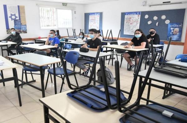 نتنياهو يُقرر عدم إغلاق المدارس في أعقاب عودة تفشي (كورونا)