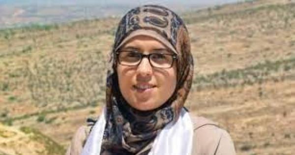 """الاحتلال يُخفض الاعتقال """"الإداري"""" للأسيرة الصحفية بشرى الطويل"""