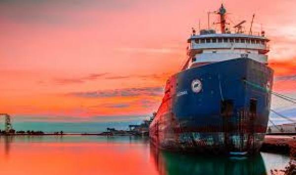 سفينة تعيد من تونس أكثر من ألف مقيم بفرنسا