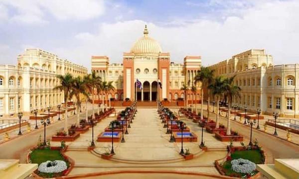 الجامعة البريطانية بمصر: إمتحانات طلاب السنة النهائية أول يوليو   دنيا الوطن