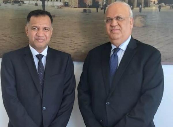 عريقات يلتقي سفير سلطنة عمان لدى دولة فلسطين