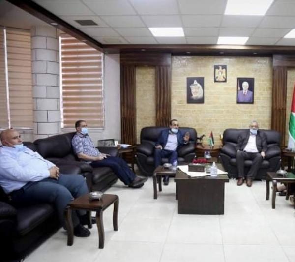 محافظ طولكرم يستقبل المدير الجديد لمستشفى الشهيد ثابت الحكومي
