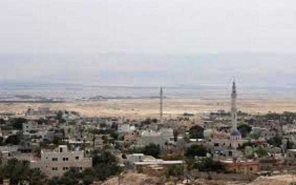 الاحتلال يستدعي مواطنا من مخيم عقبة جبر