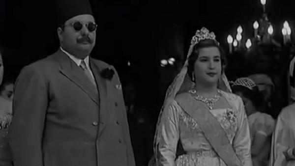 """""""أجبر خطيبها على تركها وراقبها من ثقب الباب"""".. كيف اصطاد الملك فاروق زوجته؟"""