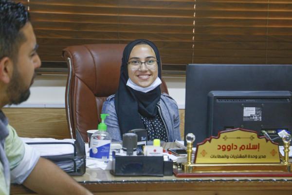 طالبات انجاز فلسطين يتولين مناصب في بلدية قلقيلية ليوم واحد
