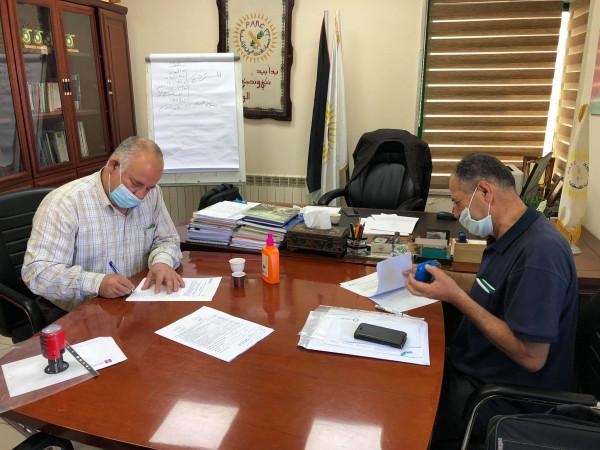 الإغاثة الزراعية توقع اتفاقية تأهيل أراضي زراعية بنابلس وقلقيلية