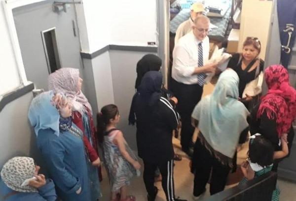سفارة الإمارات بلبنان تقدم كسوة عيد الاضحى للأسر المتعففة