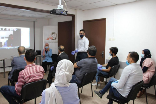 مؤسسة عبد الله داوود للشباب تعقد اجتماعا للهيئة العامة بنابلس