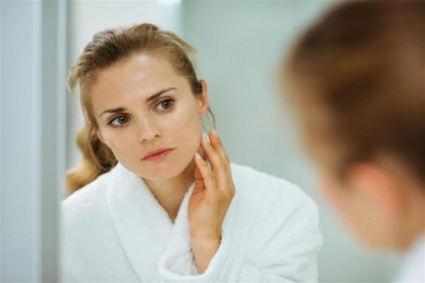 خمسة تمارين تخلصك من ترهلات الجسم وتجاعيد الوجه