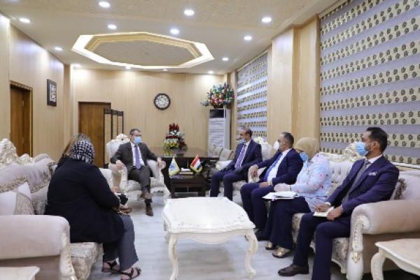 وزير العمل يبحث مع سفير الاتحاد الاوربي بالعراق التعاون المشترك