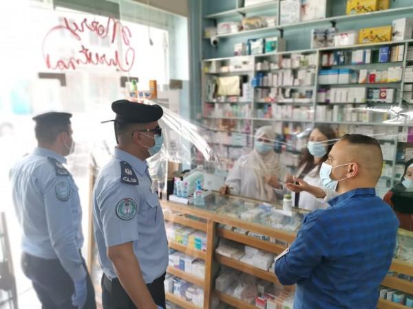 بيت لحم: إغلاق 42 محلاً تجارياً والشرطة تتفقد إجراءات السلامة بالأفران والصيدليات