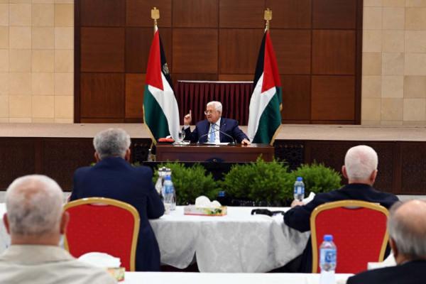 قيادي بالمنظمة: محاولات أمريكية متواصلة لفتح قنوات اتصال مع القيادة الفلسطينية