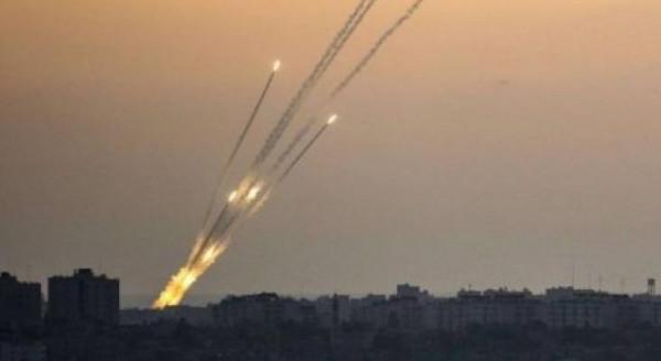 الإعلام الإسرائيلي: حماس أطلقت 24 صاروخاً تجريبياً تجاه البحر الليلة